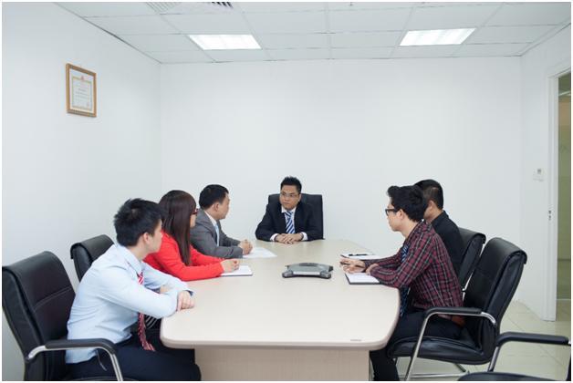 Luật sư họp bàn về vấn đề tư vấn phá sản doanh nghiệp