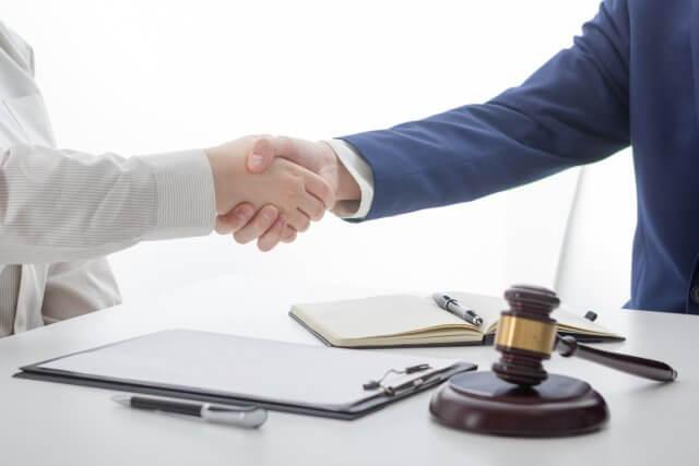 Luật sư tư vấn và bào chữa tại tòa án - Luật sư bào chữa trong vụ án dân sự