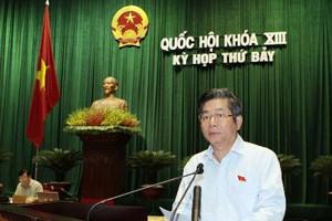 Bộ trưởng bộ kế hoạch đầu tư Bùi Quang Vinh trinh bày một số điều về luật doanh nghiệp sửa đổi