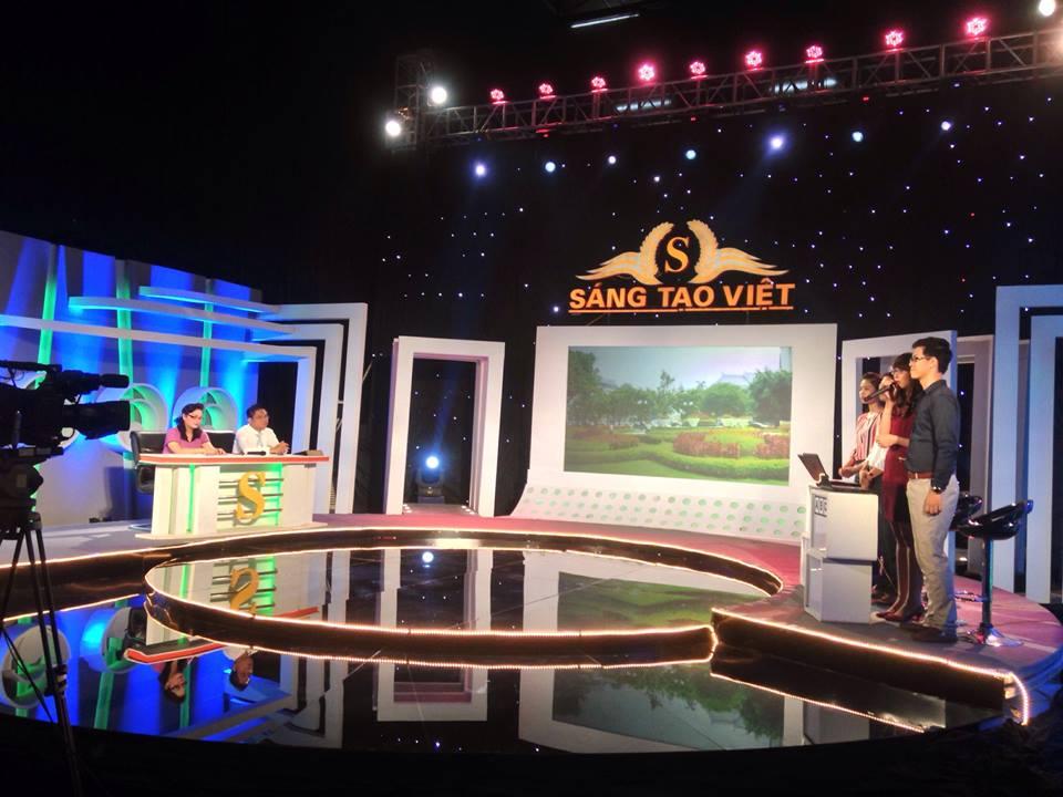 Luật sư Nguyễn Thanh Hà làm giám khảo gameshow Sáng tạo việt 2014