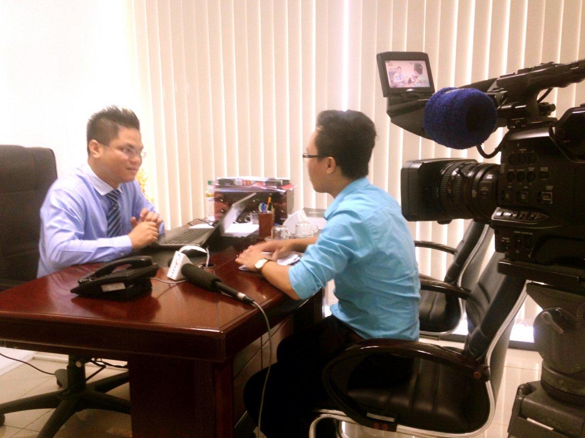 Luật sư Nguyễn Thanh Hà trao đổi với PV