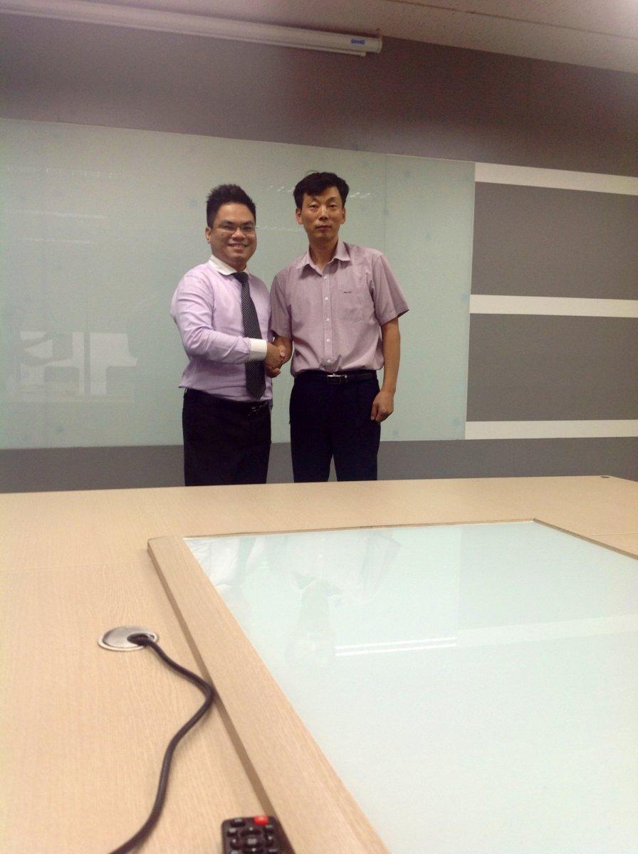 Luật sư Nguyễn Thanh Hà cùng nhà đầu tư Hàn Quốc