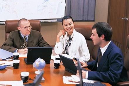 Sử dụng lao động nước ngoài trong doanh nghiệp