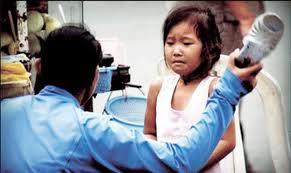 hành vi bạo hành đối với trẻ em.