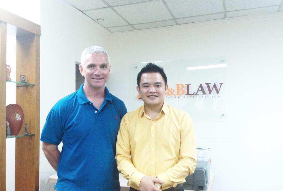 11223752 10206323509798041 572511118236088960 n Ngài Phil John, Giám đốc Auscham thăm và làm việc tại SBLAW Luật sư uy tín Việt Nam