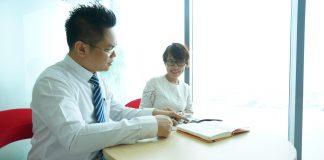 Soạn thảo hợp đồng vay vốn và hợp đồng thế chấp góp vốn.